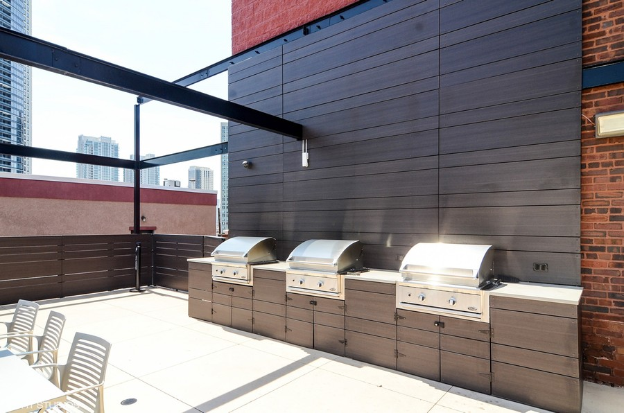 Real Estate Photography - 411 W. ONTARIO Street, Unit 608, Chicago, IL, 60654 - Roof Deck Grills