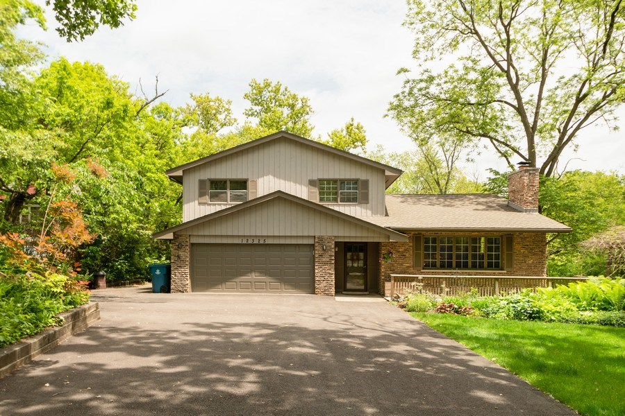 Real Estate Photography - 12325 S. 90th Avenue, Palos Park, IL, 60464 - Front View