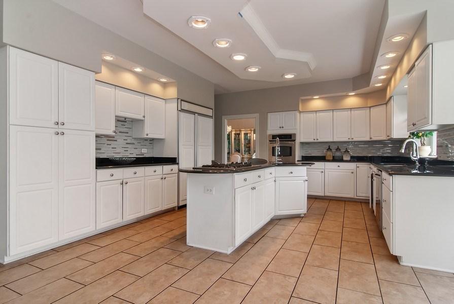 Real Estate Photography - 2324 Sutton Lane, Aurora, IL, 60502 - Kitchen