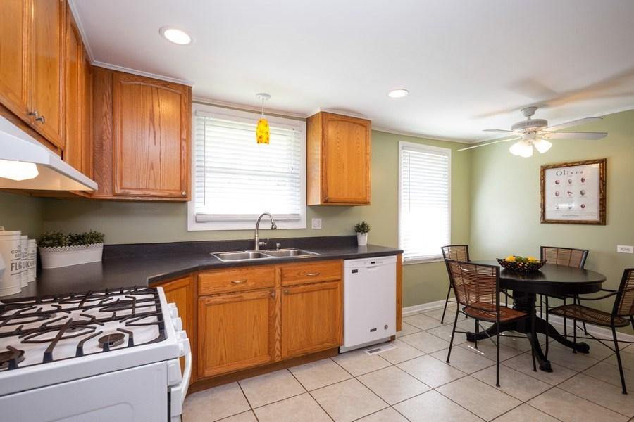 Real Estate Photography - 929 Woodlawn Avenue, Des Plaines, IL, 60016 - Kitchen