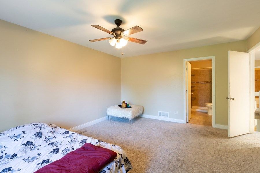 Real Estate Photography - 550 Woodmar Lane, Crystal Lake, IL, 60012 - Master Bedroom