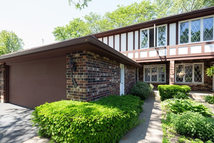 Real Estate Photography - 550 Woodmar Lane, Crystal Lake, IL, 60012 - Front View