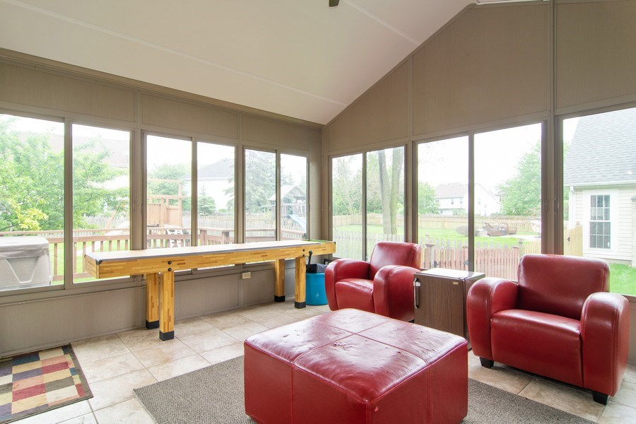 Real Estate Photography - 1432 Steeplechase Road, Bartlett, IL, 60103 - Sun Room