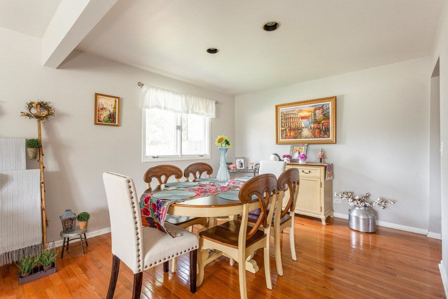 Real Estate Photography - 5501 Virginia Avenue, Clarendon Hills, IL, 60514 - Dining Room