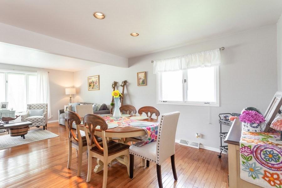 Real Estate Photography - 5501 Virginia Avenue, Clarendon Hills, IL, 60514 - Dining Area