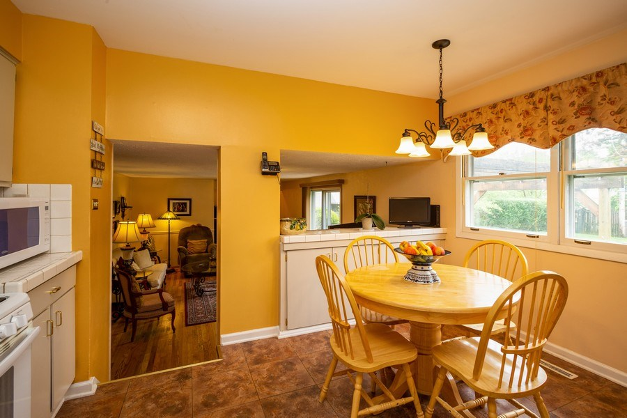 Real Estate Photography - 557 Dulles Road, Des Plaines, IL, 60016 - Kitchen / Breakfast Room