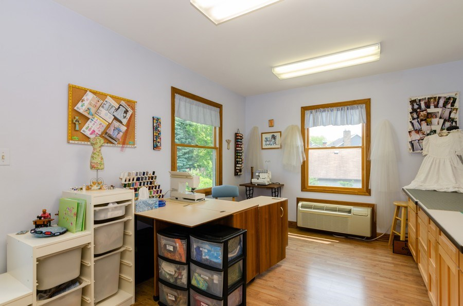 Real Estate Photography - 1410 Spring Hill Drive, Algonquin, IL, 60102 - Private Office-Crafts Room