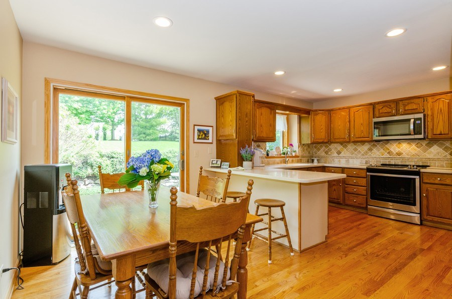 Real Estate Photography - 1410 Spring Hill Drive, Algonquin, IL, 60102 -