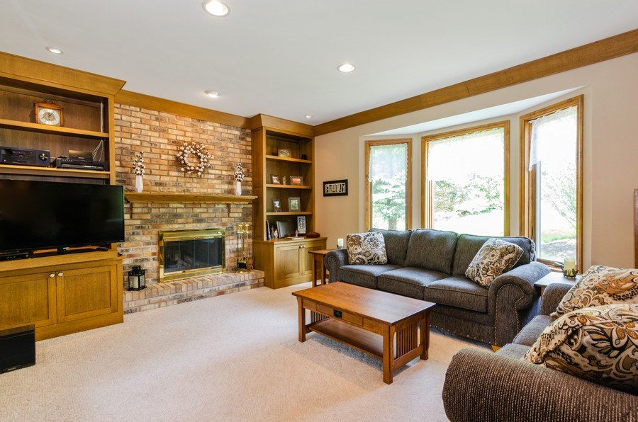 Real Estate Photography - 1410 Spring Hill Drive, Algonquin, IL, 60102 - Family Room