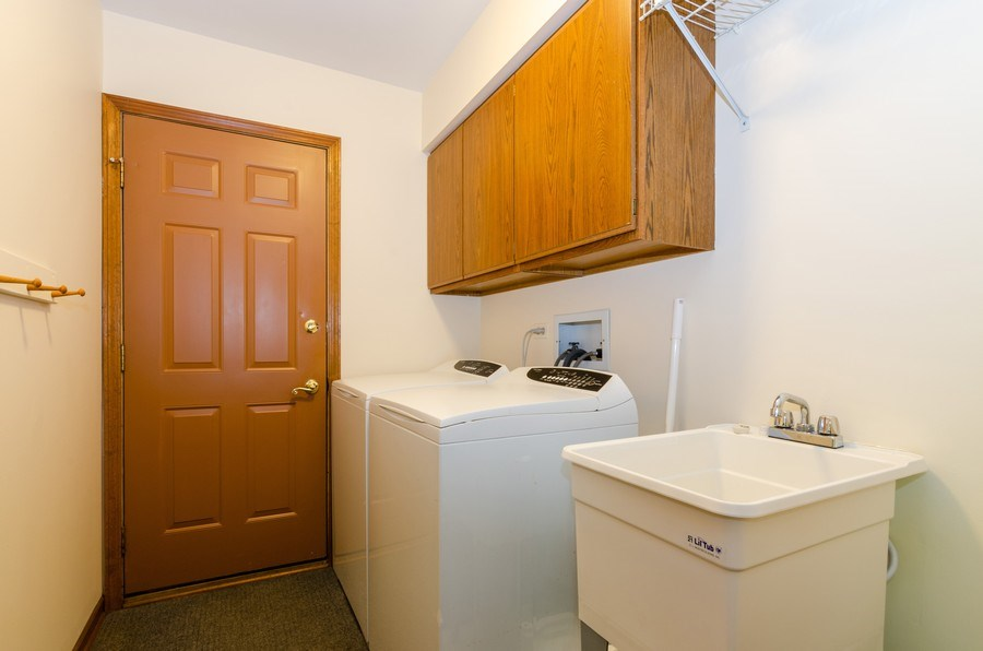 Real Estate Photography - 1410 Spring Hill Drive, Algonquin, IL, 60102 - 1st floor Laundry Room