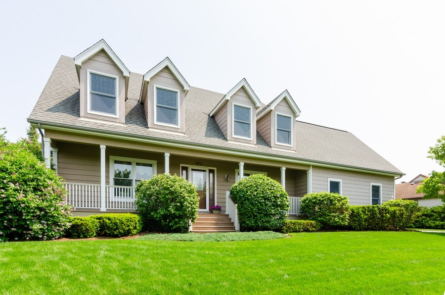 Real Estate Photography - 1410 Spring Hill Drive, Algonquin, IL, 60102 - Front View