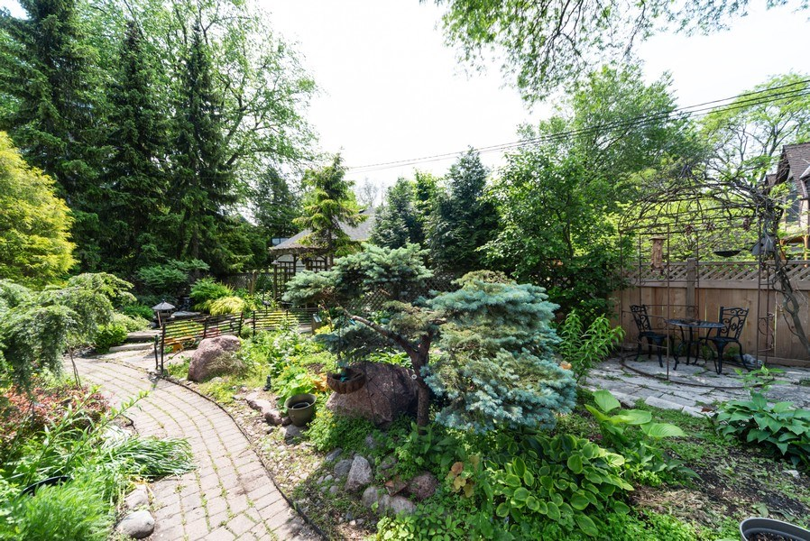 Real Estate Photography - 821 S. Prospect Avenue, Park Ridge, IL, 60068 - Garden