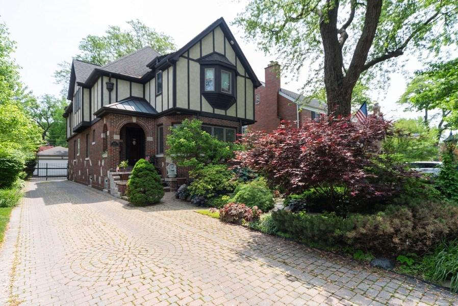 Real Estate Photography - 821 S. Prospect Avenue, Park Ridge, IL, 60068 - Front View
