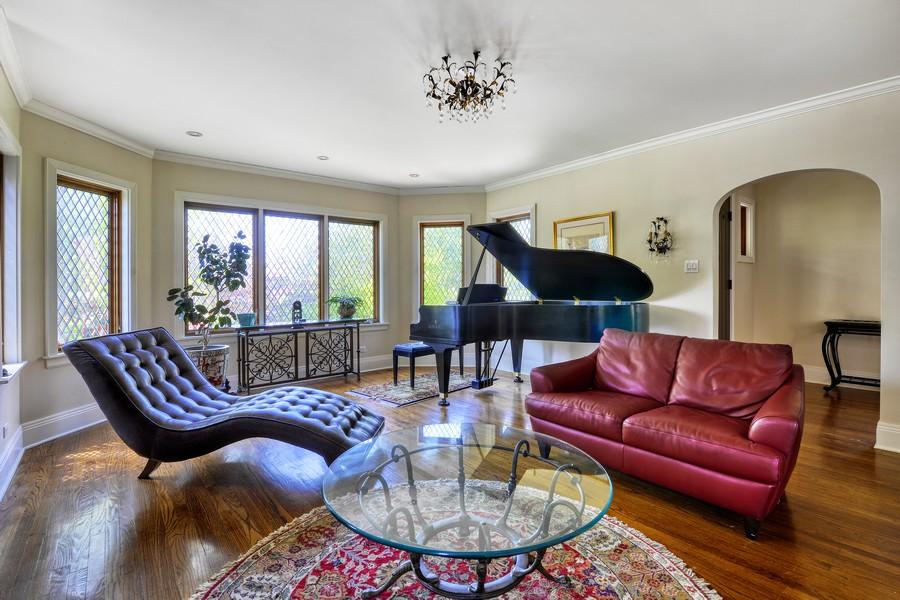 Real Estate Photography - 821 S. Prospect Avenue, Park Ridge, IL, 60068 - Living Room