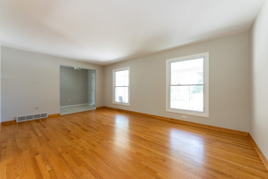 Real Estate Photography - 3018 N. Stratford Road, Arlington Heights, IL, 60004 - Living Room