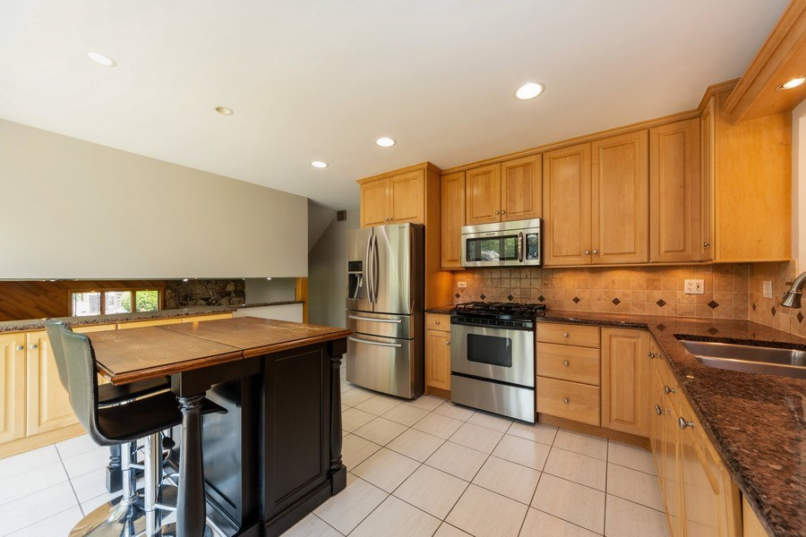 Real Estate Photography - 3018 N. Stratford Road, Arlington Heights, IL, 60004 - Kitchen / Breakfast Room