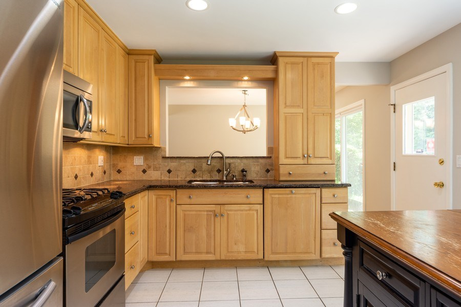 Real Estate Photography - 3018 N. Stratford Road, Arlington Heights, IL, 60004 - Kitchen