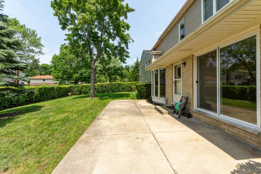 Real Estate Photography - 3018 N. Stratford Road, Arlington Heights, IL, 60004 - Patio