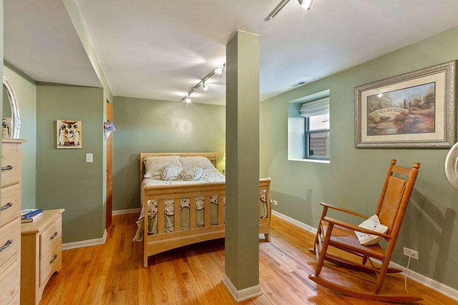 Real Estate Photography - 5643 N. Kenmore Avenue, Unit G, Chicago, IL, 60660 - Master Bedroom