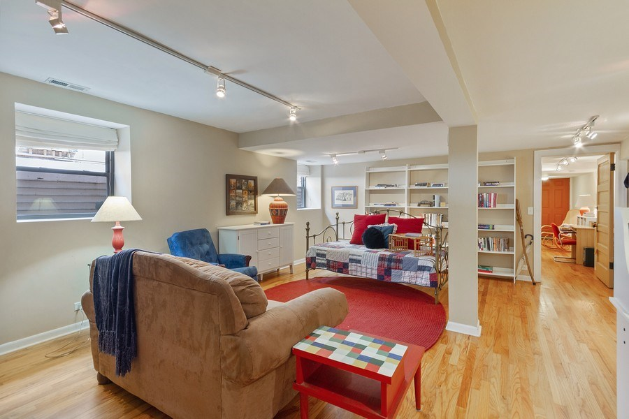 Real Estate Photography - 5643 N. Kenmore Avenue, Unit G, Chicago, IL, 60660 - Family Room