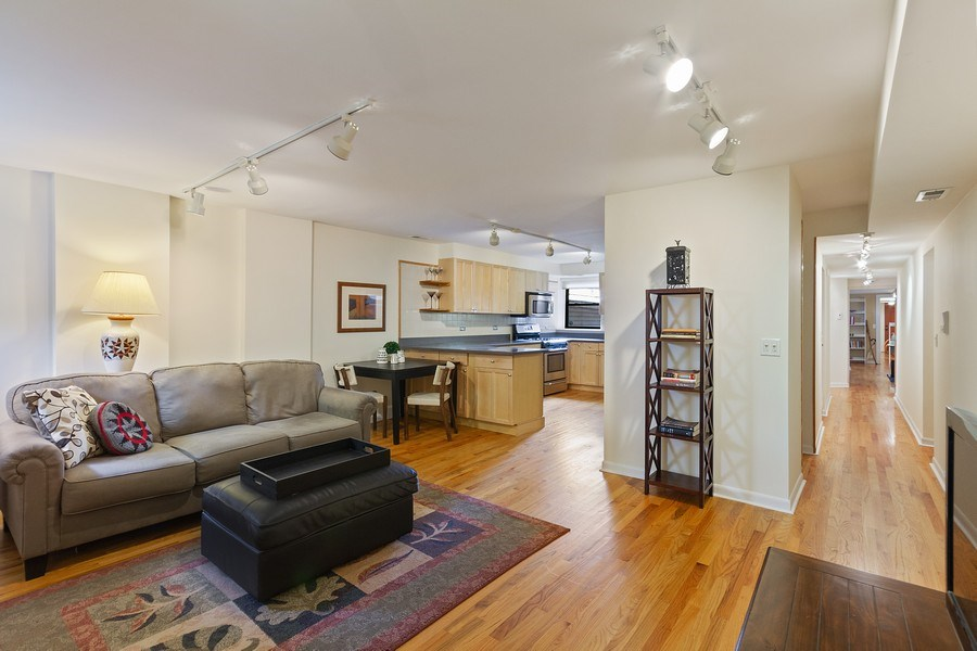 Real Estate Photography - 5643 N. Kenmore Avenue, Unit G, Chicago, IL, 60660 - Kitchen/Living