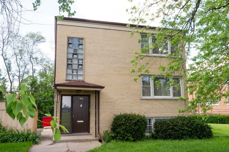Real Estate Photography - 5908 Butterfield Rd, Berkeley, IL, 60163 - Front View