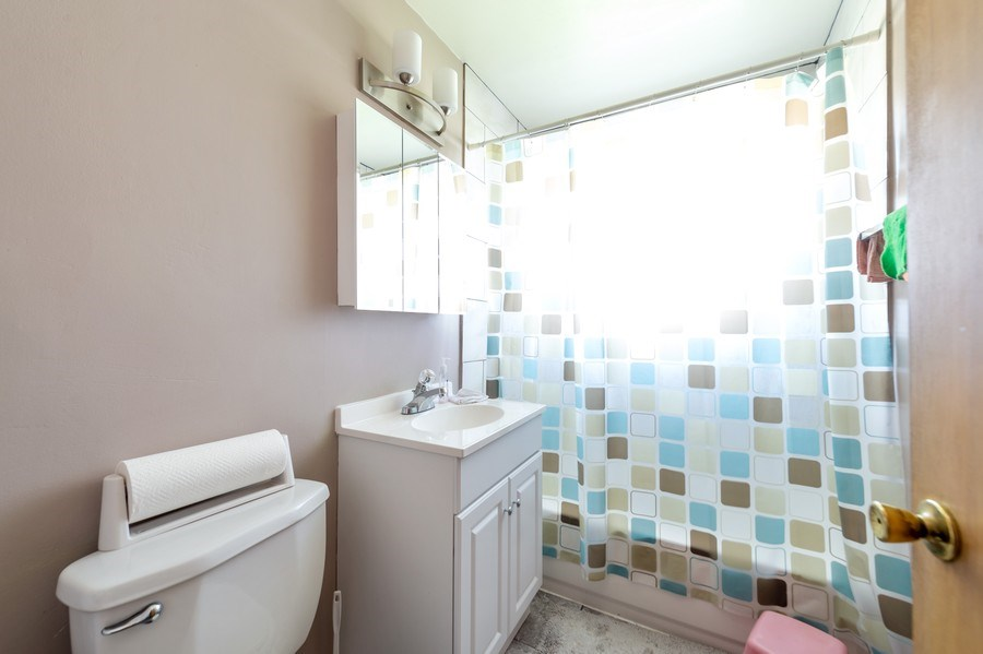 Real Estate Photography - 5908 Butterfield Rd, Berkeley, IL, 60163 - Bathroom