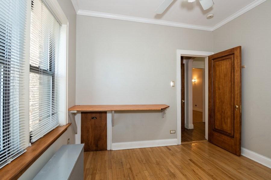Real Estate Photography - 504 S. Austin Boulevard, Unit 2, Oak Park, IL, 60304 - 3rd Bedroom