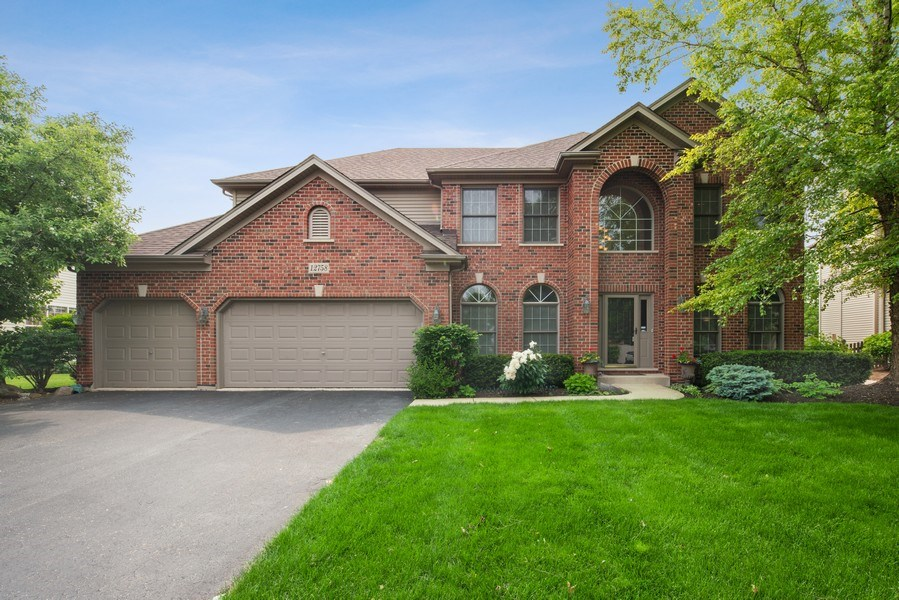 Real Estate Photography - 12758 Barrow Lane, Plainfield, IL, 60585 - Front View