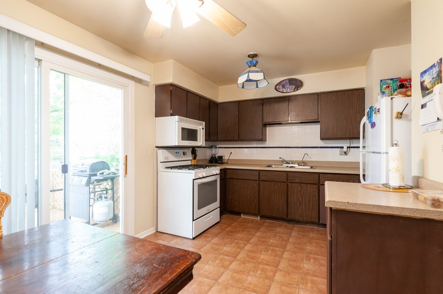 Real Estate Photography - 668 Anita Ave, Antioch, IL, 60002 - 670 - Eat In Kitchen