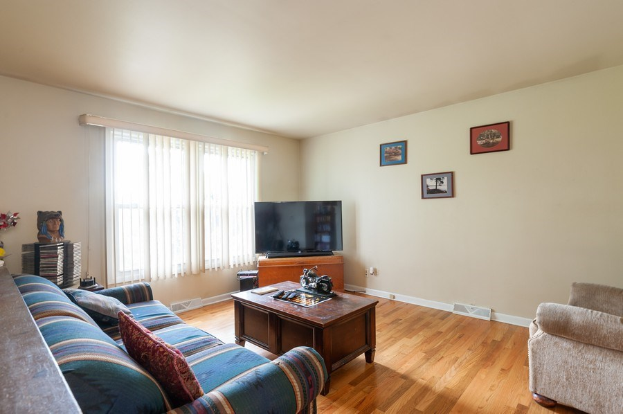 Real Estate Photography - 668 Anita Ave, Antioch, IL, 60002 - 670 - Living Room