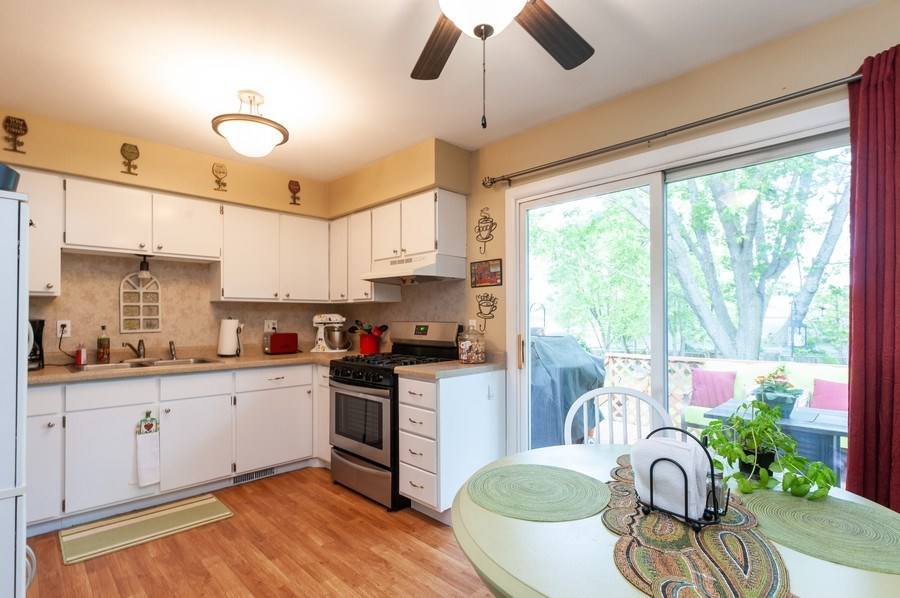 Real Estate Photography - 668 Anita Ave, Antioch, IL, 60002 - 668 - Eat In Kitchen