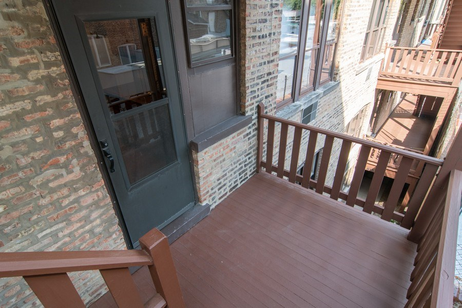 Real Estate Photography - 817 Lake St, 2N, Oak Park, IL, 60302 - Deck