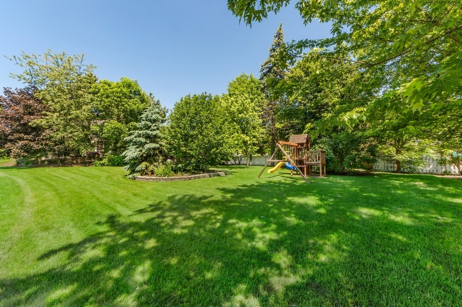 Real Estate Photography - 404 Kerry Court, Prospect Heights, IL, 60070 - Back Yard