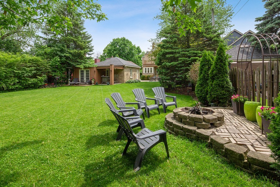 Real Estate Photography - 506 Uvedale Road, Riverside, IL, 60546 - Back Yard