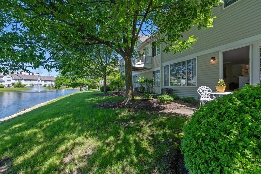 Real Estate Photography - 9010 W. Heathwood Circle, Niles, IL, 60714 - Back Yard