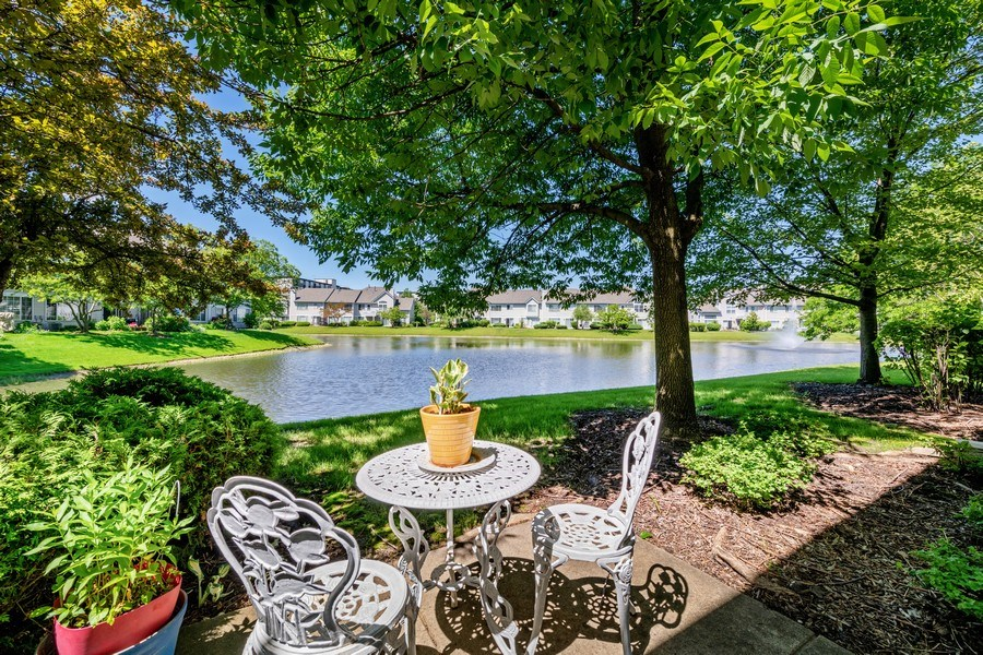 Real Estate Photography - 9010 W. Heathwood Circle, Niles, IL, 60714 - Patio