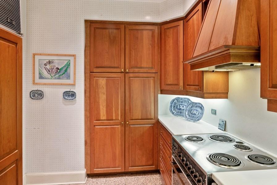 Real Estate Photography - 70 E. Cedar Street, Unit 1402, Chicago, IL, 60611 - Kitchen
