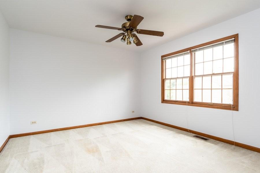 Real Estate Photography - 140 BRECKENRIDGE Drive, Aurora, IL, 60504 - 2nd Bedroom