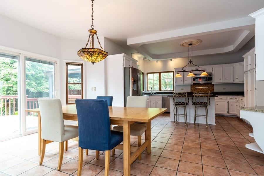 Real Estate Photography - 140 BRECKENRIDGE Drive, Aurora, IL, 60504 - Kitchen / Breakfast Room