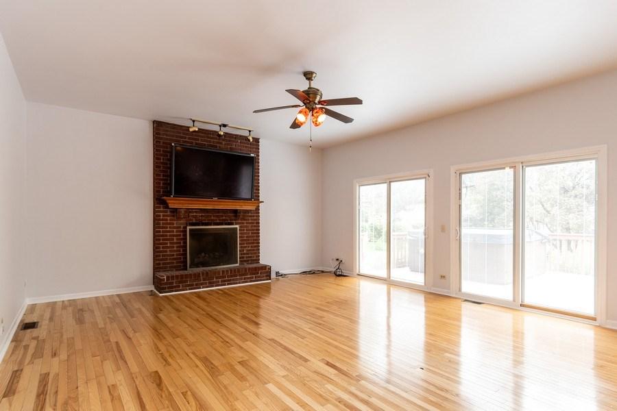 Real Estate Photography - 140 BRECKENRIDGE Drive, Aurora, IL, 60504 - Family Room