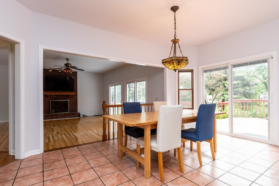 Real Estate Photography - 140 BRECKENRIDGE Drive, Aurora, IL, 60504 - Breakfast Area