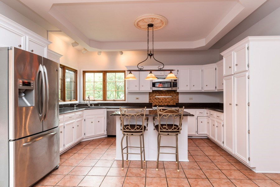 Real Estate Photography - 140 BRECKENRIDGE Drive, Aurora, IL, 60504 - Kitchen