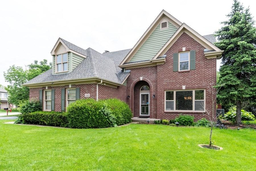 Real Estate Photography - 140 BRECKENRIDGE Drive, Aurora, IL, 60504 - Front View