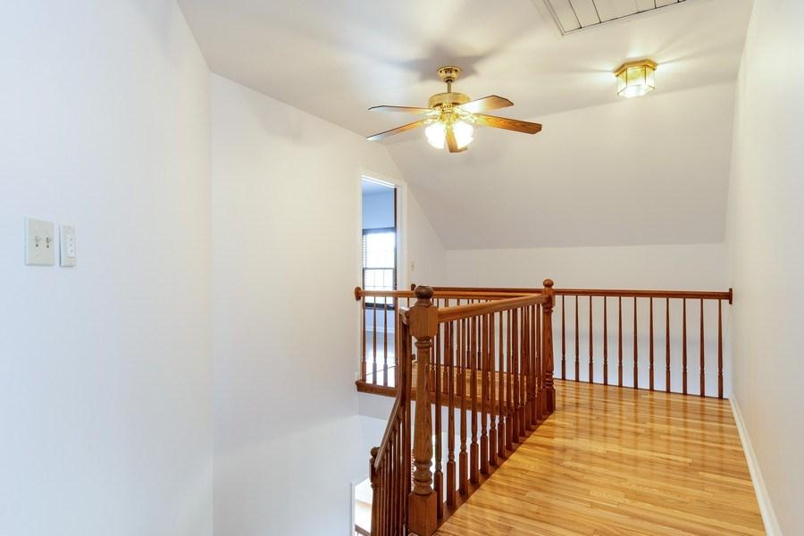 Real Estate Photography - 140 BRECKENRIDGE Drive, Aurora, IL, 60504 - Hallway