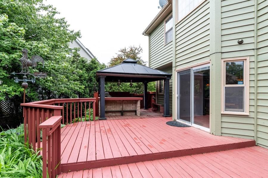 Real Estate Photography - 140 BRECKENRIDGE Drive, Aurora, IL, 60504 - Deck