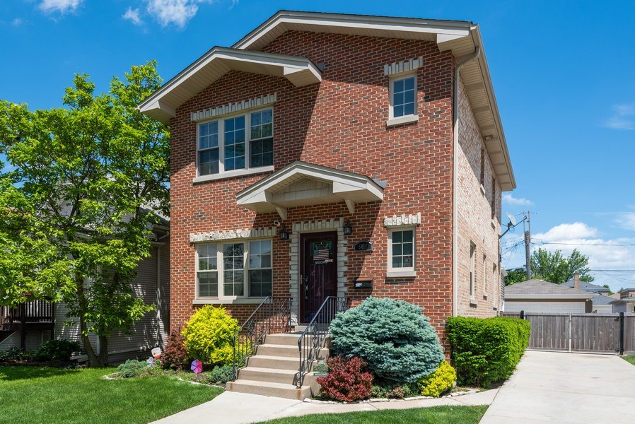 Real Estate Photography - 5457 N. NORDICA Avenue, Chicago, IL, 60656 - Front View