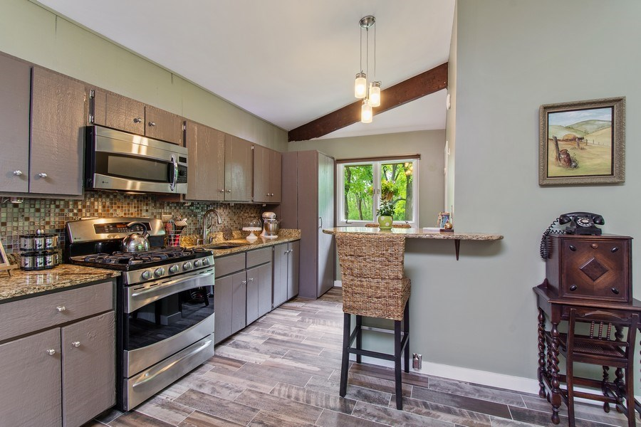 Real Estate Photography - 35560 N. Us Highway 12, Ingleside, IL, 60041 - Kitchen