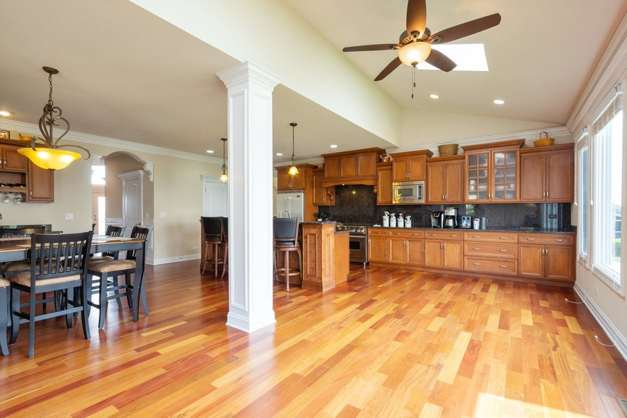 Real Estate Photography - 12900 Peppertree Drive, Plainfield, IL, 60585 - Kitchen / Breakfast Room
