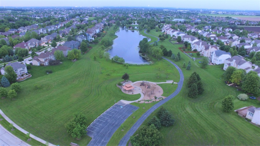 Real Estate Photography - 12900 Peppertree Drive, Plainfield, IL, 60585 - Park and pond